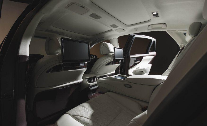 2018-Lexus-LS-129-876x535.jpg