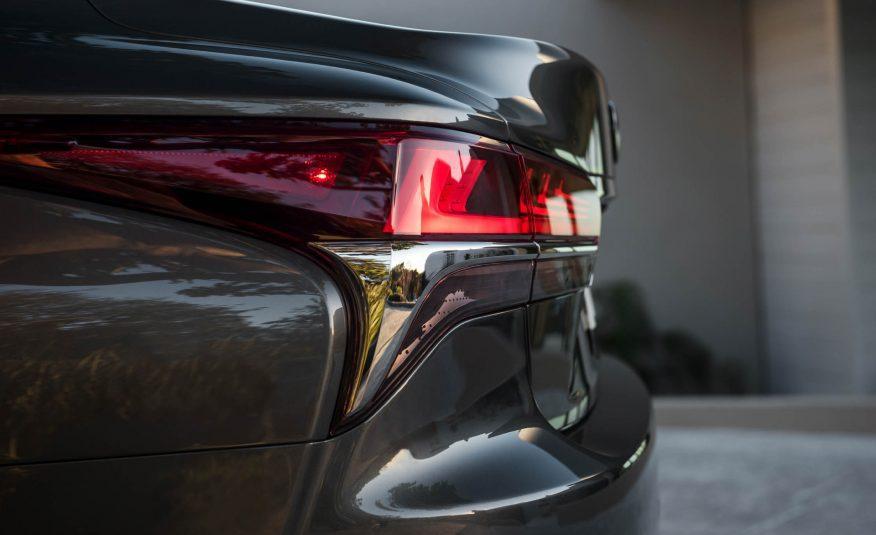 2018-Lexus-LS-154-876x535.jpg