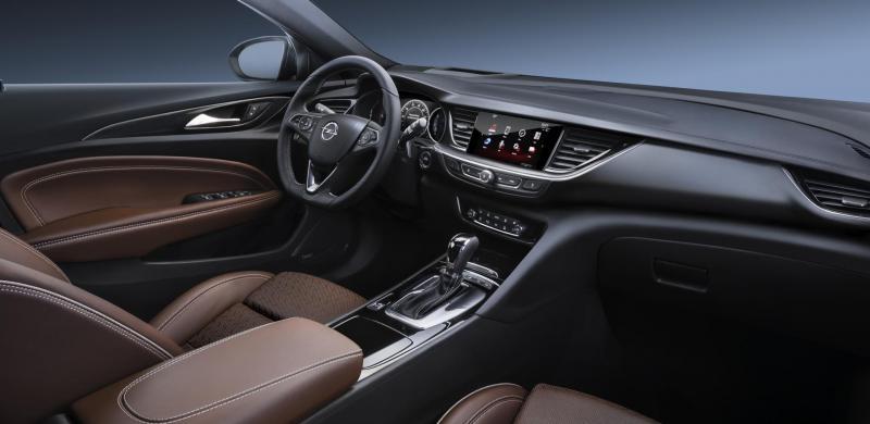Opel-Insignia-304395.jpg