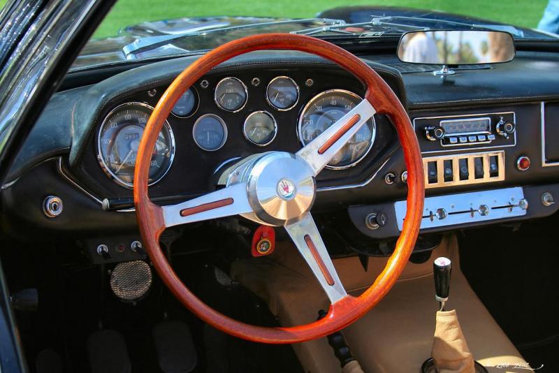 1965_Maserati_Mistral_Spyder_-_dash.jpg