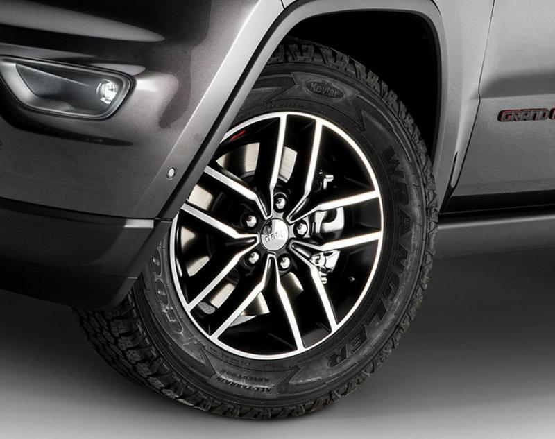 jeep-grand-cherokee-my-2017_4.jpg