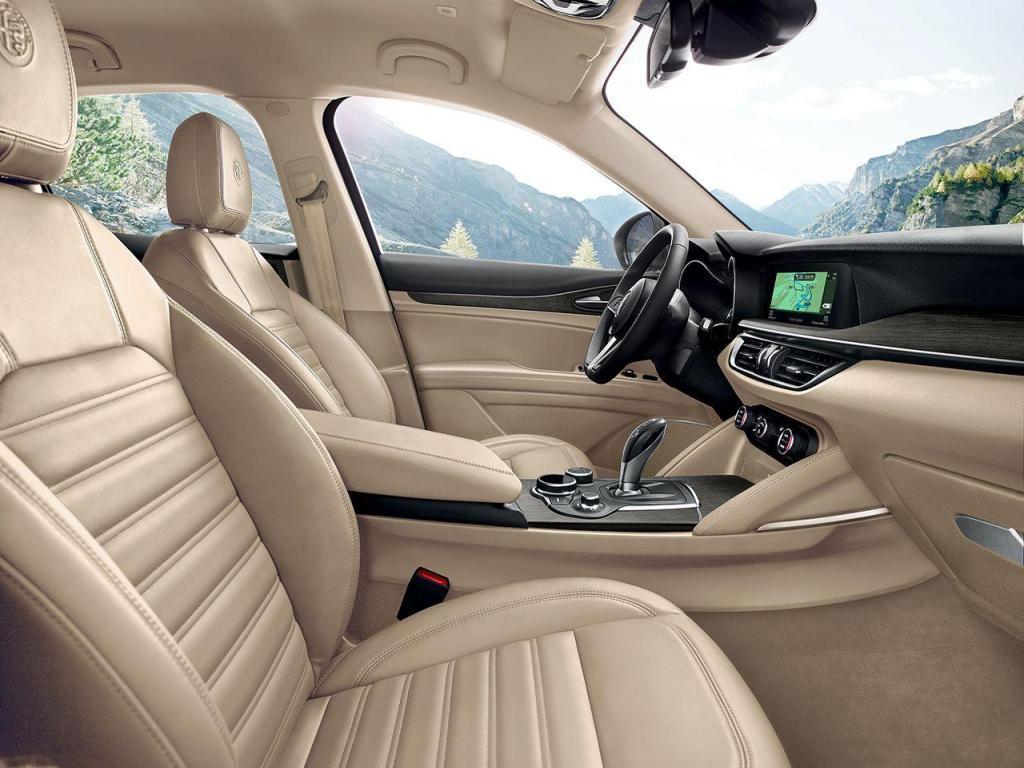 170222_Alfa-Romeo_Stelvio_97.thumb.jpg.f11ffbd5b8c2b49201003cb7c3e8e602.jpg