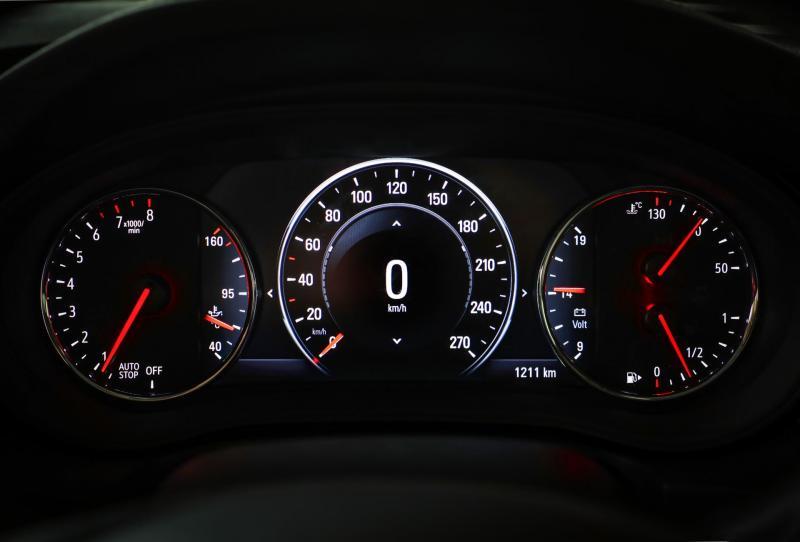 Opel-Insignia-305218.JPG
