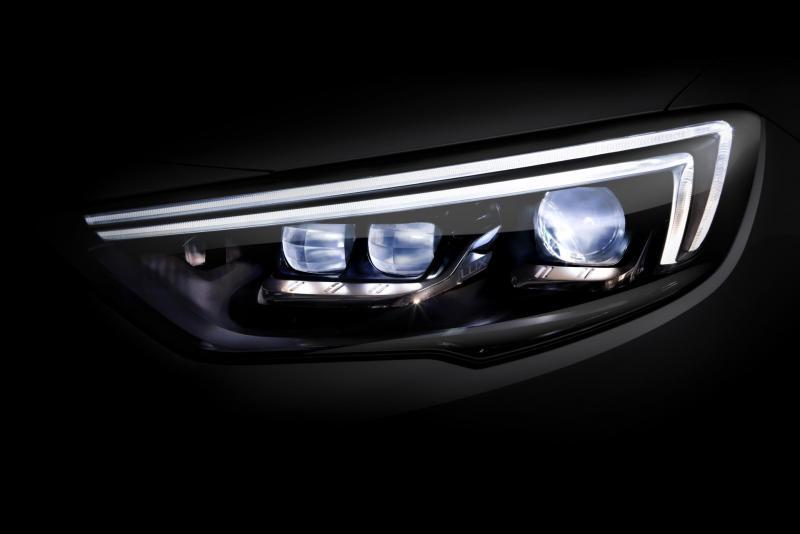 Opel-Insignia-IntelliLux-Matrix-Light-303845.jpg