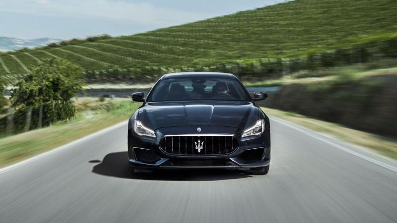 Maserati-Quattroporte-GranSport-18-gallery-front.jpg