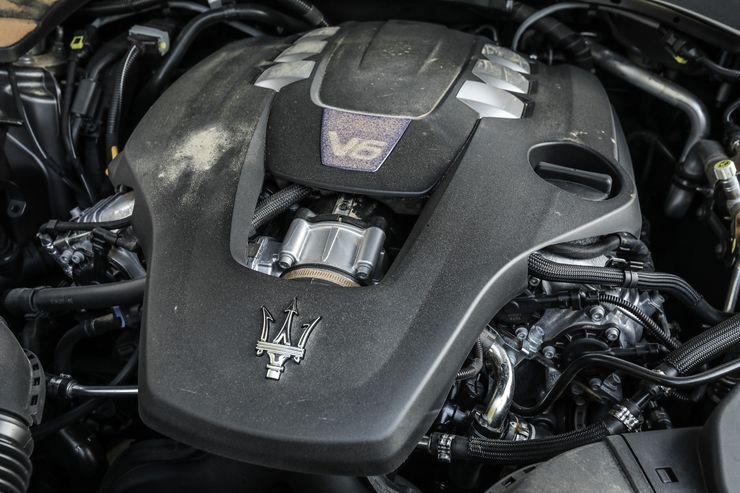 Maserati-Levante-Modelljahr-2018-Offroad-Wueste-Dubai-fotoshowBig-57ce08d-1126048.jpg