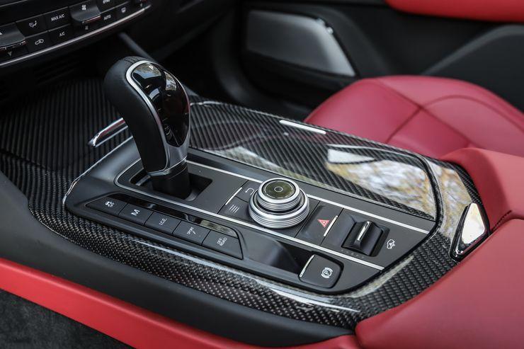 Maserati-Levante-Modelljahr-2018-Offroad-Wueste-Dubai-fotoshowBig-c19fd3b9-1126050.jpg