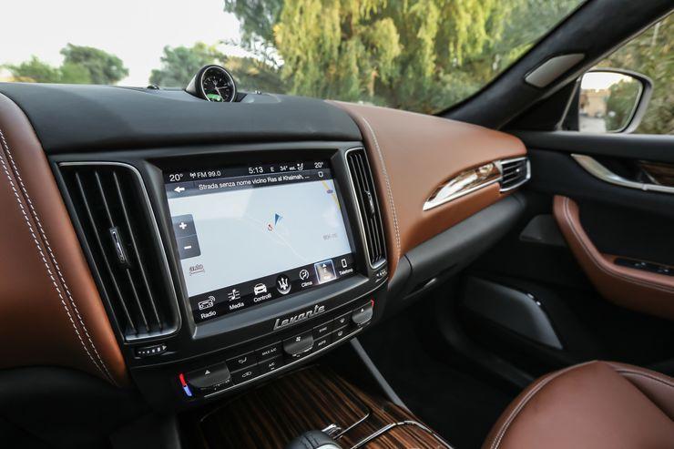 Maserati-Levante-Modelljahr-2018-Offroad-Wueste-Dubai-fotoshowBig-e44630ec-1126047.jpg