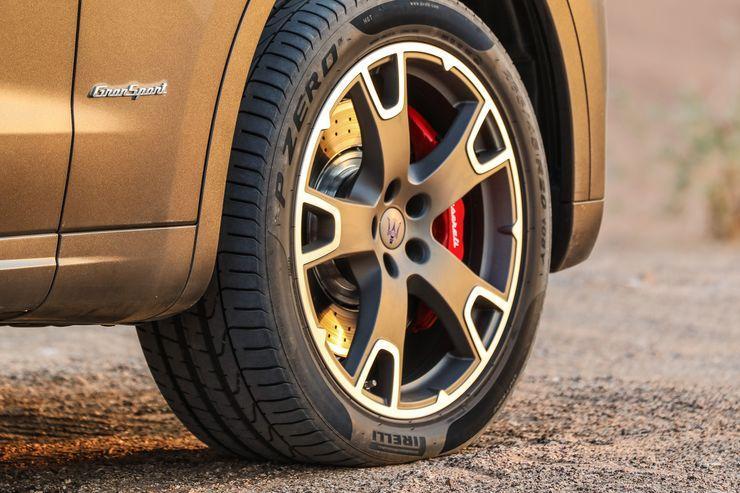 Maserati-Levante-Modelljahr-2018-Offroad-Wueste-Dubai-fotoshowBig-fcbe27b2-1126049.jpg