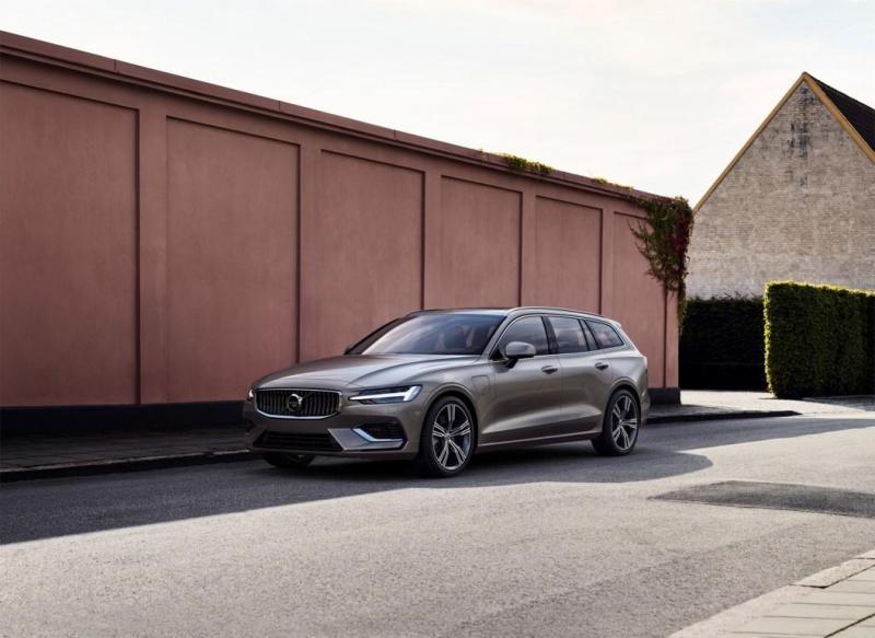 223569_New Volvo V60 exterior.jpg