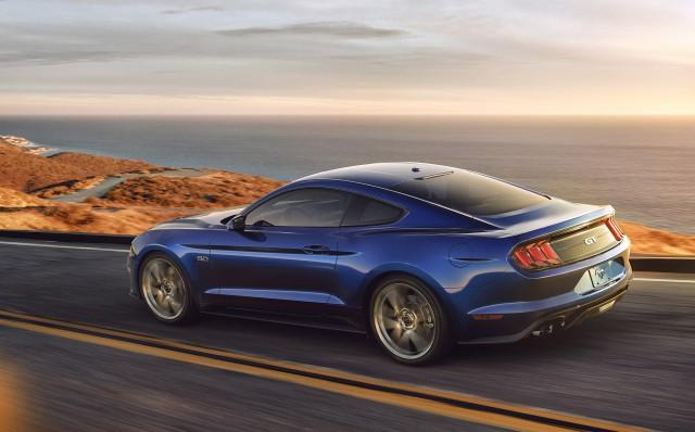 2018-ford-mustang_100589505_m.jpg