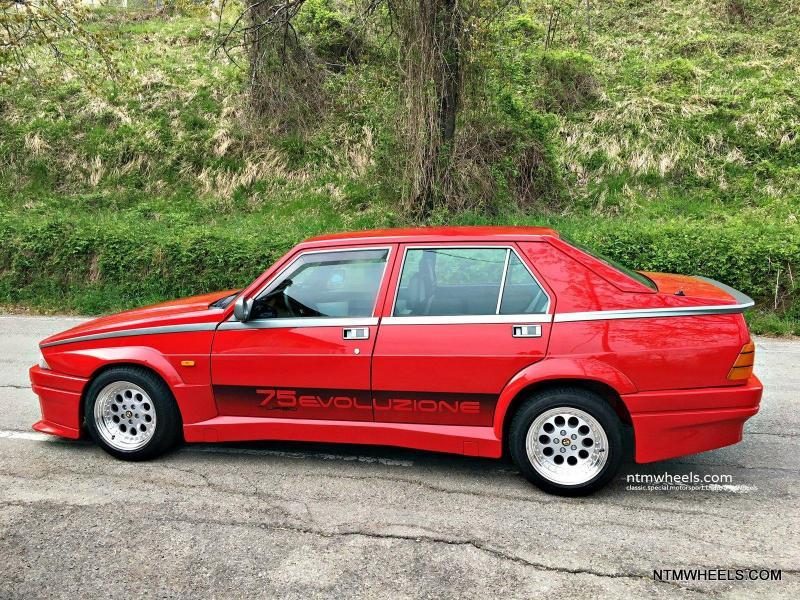 AR-RZSZ-8x15-SilverPolished-Alfa-Romeo-75-Evoluzione-001-1.jpg