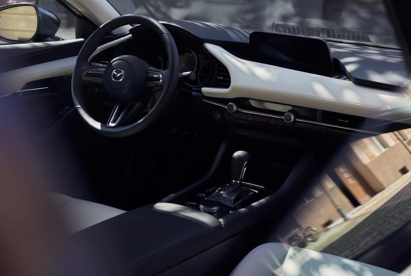 Next-Gen-Mazda-3-Gear-Patrol-slide-6-1940x1300.jpg
