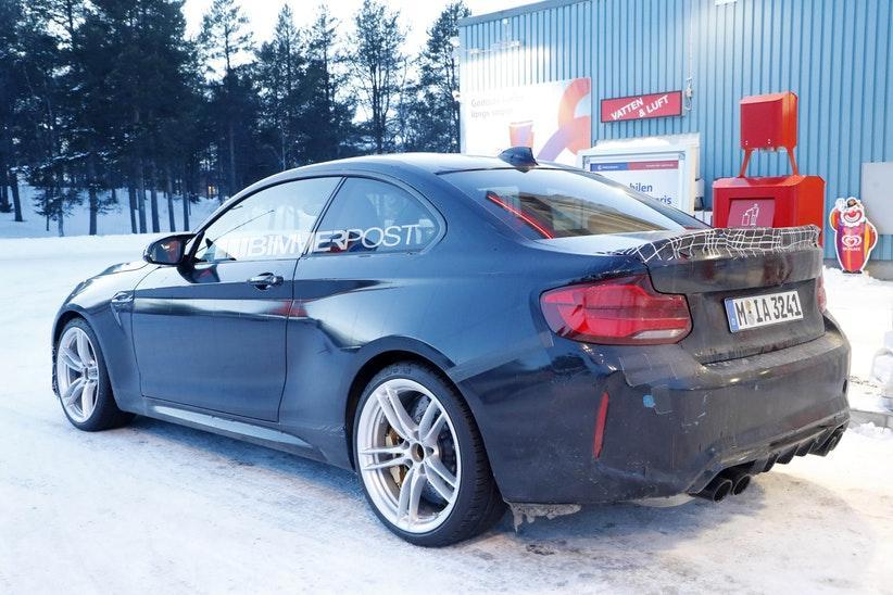BMW M2 CS CSL Closeup 7.jpg