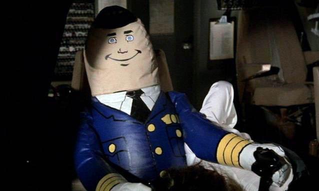 aereo-più-pazzo-del-mondo-pilota-automatico.jpg