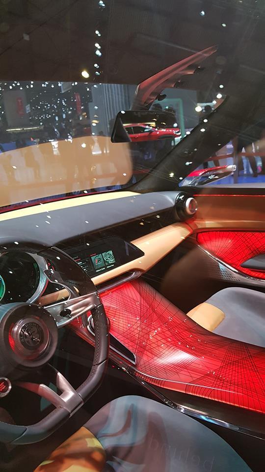 Alfa Romeo Tonale Interior concept (8).jpg